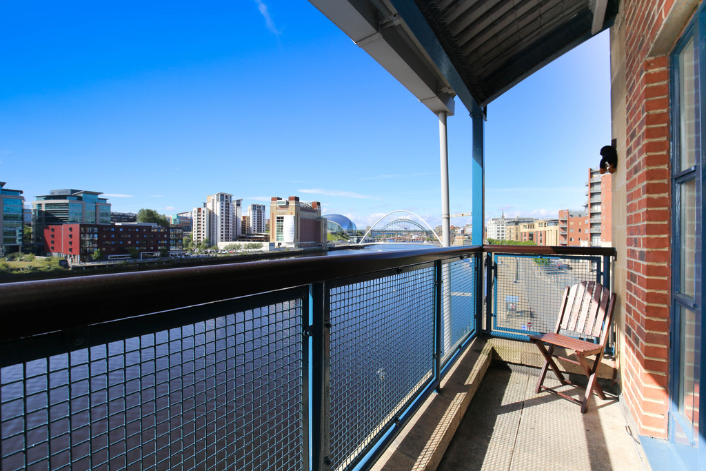 3 bedroom										               		penthouse               		for rent in quayside