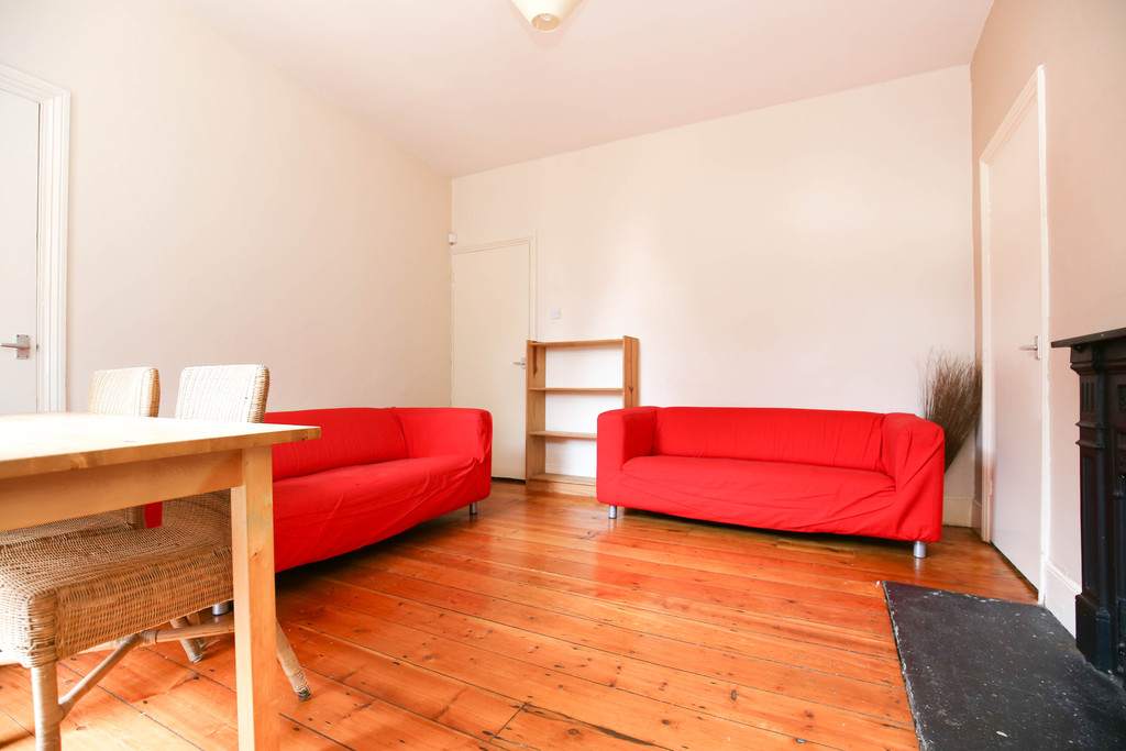 2 bedroomstudent                flat               for rent in city centre