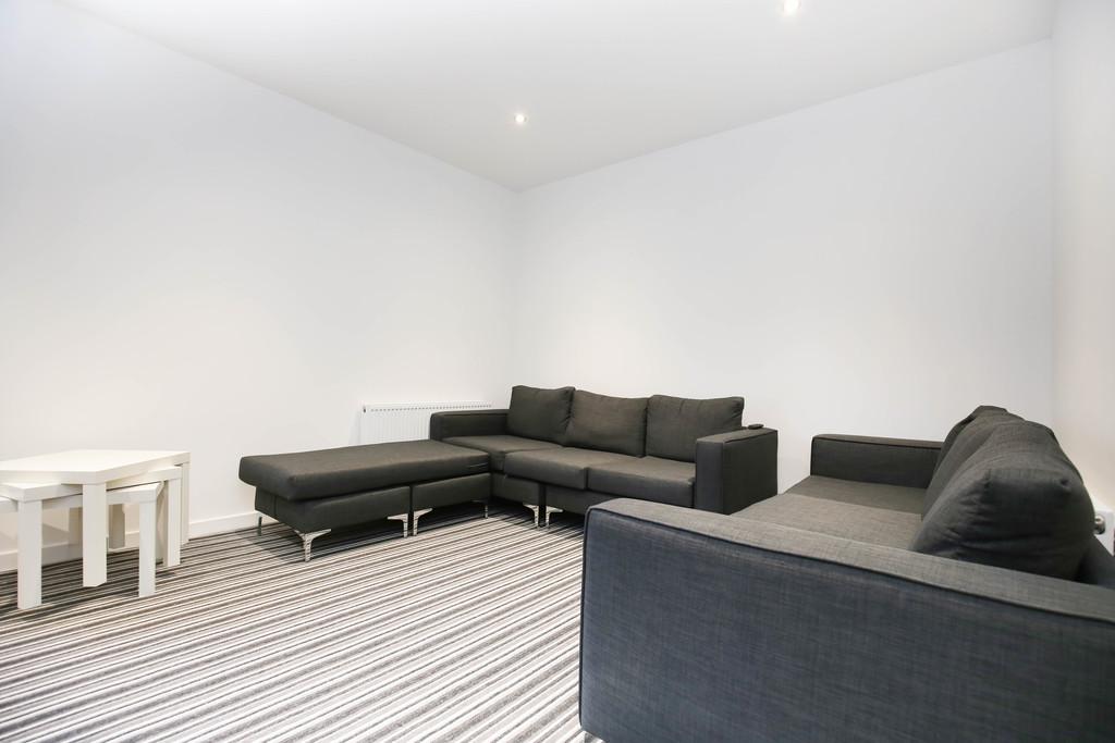 6 bedroomstudent                maisonette               for rent in city centre