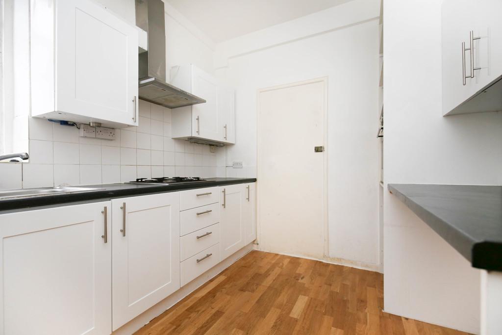 2 bedroom               ground floor apartment               for rent in granville road
