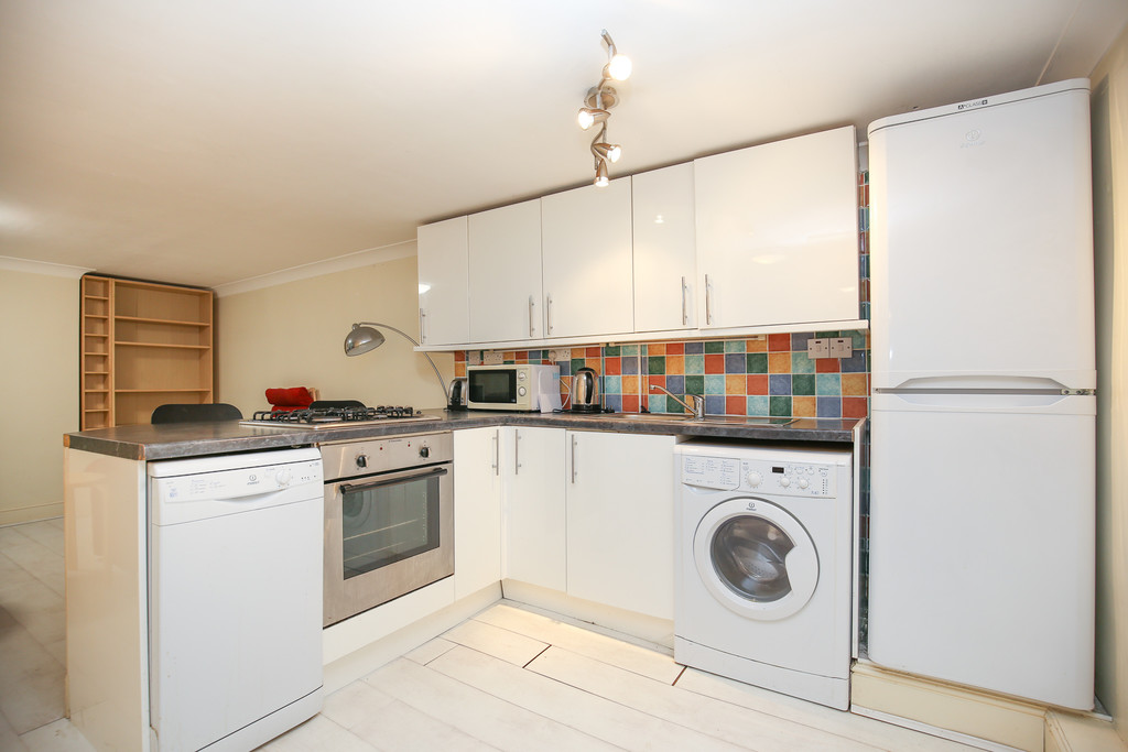 1 bedroom											student 					               		mid terraced house               		for rent in the lodge