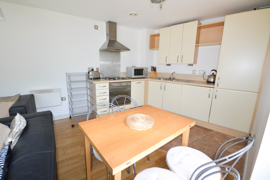 2 bedroomstudent                apartment               for rent in mill road