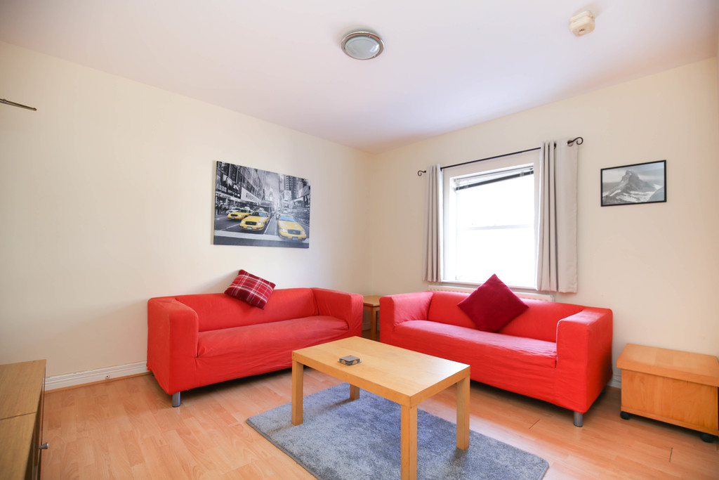 3 bedroom											student 					               		ground floor flat               		for rent in heaton