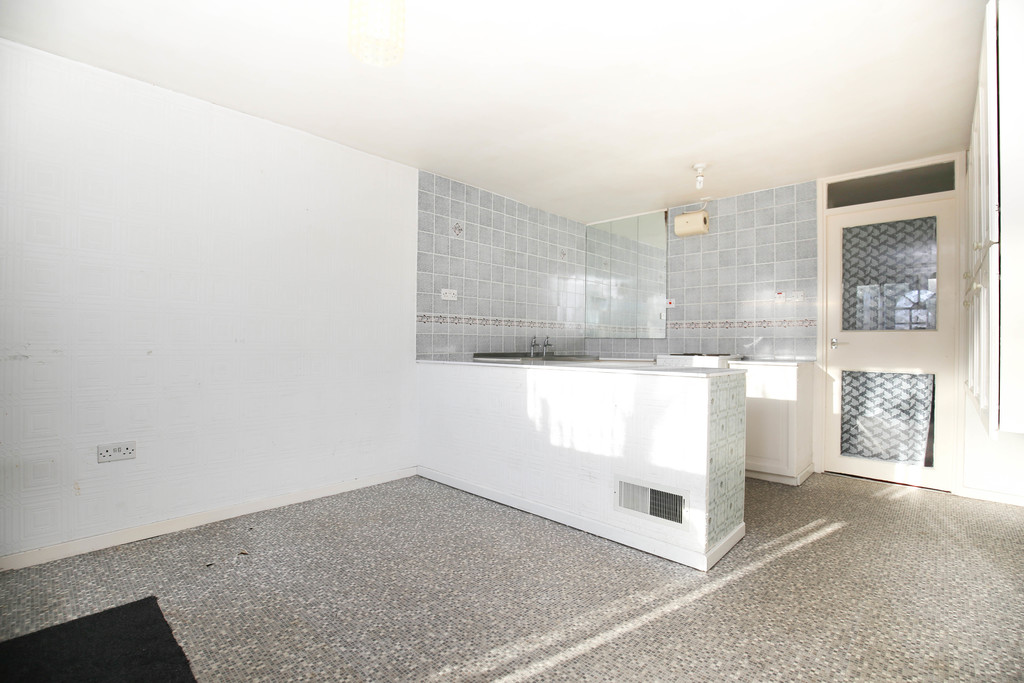 3 bedroom               town house               for rent in heaton