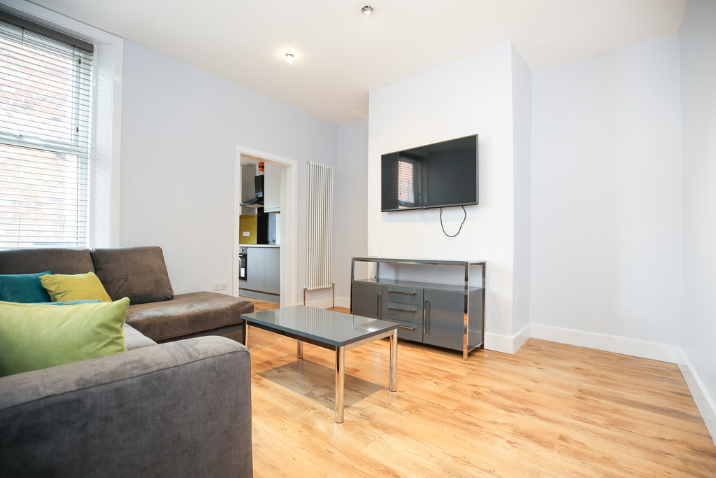 3 bedroom											student 					               		flat               		for rent in jesmond