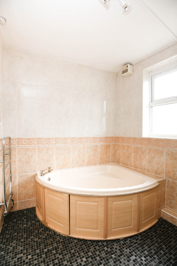 5 bedroomstudent                end terraced house               for rent in heaton