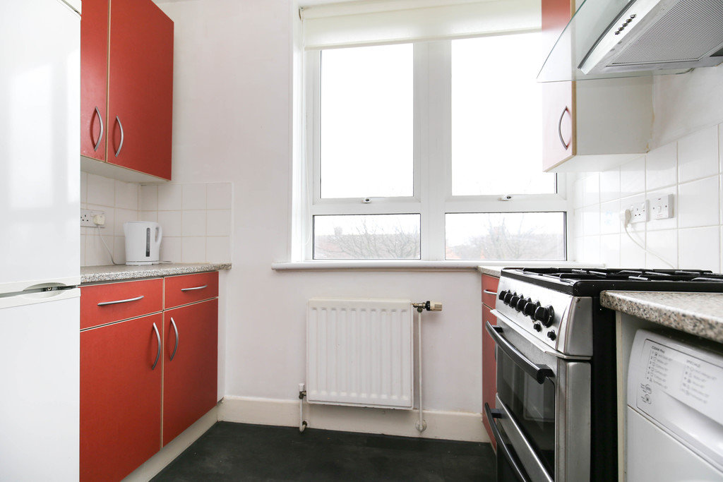 2 bedroomstudent                apartment               for rent in shield street