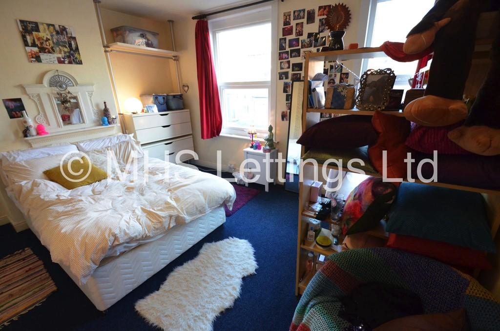 15 Hessle View, Leeds, LS6 1ER
