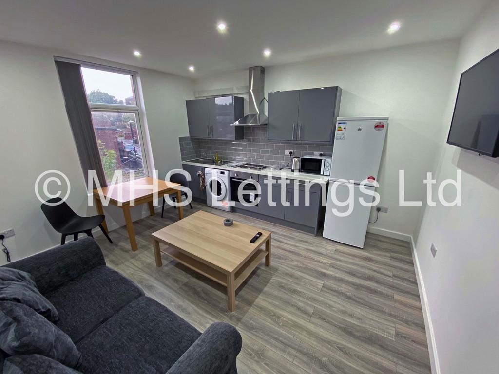 Flat 2, 24 Kensington Terrace, Leeds, LS6 1BE