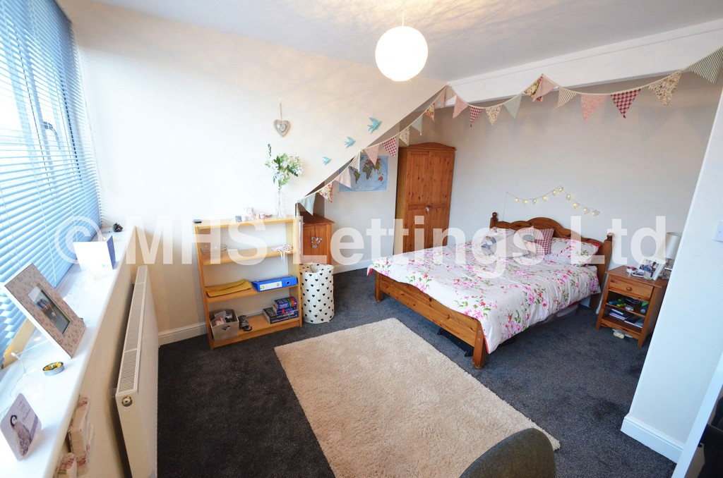 Double Room, 4 Graham Grove, Leeds, LS4 2NF