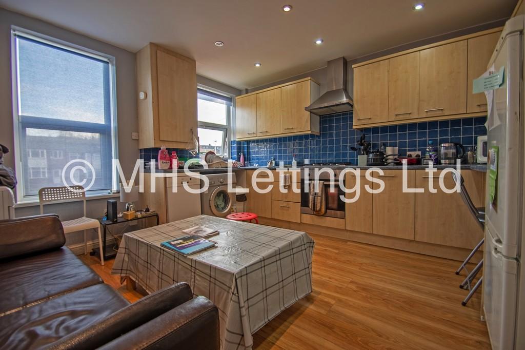 Flat 2, 203 Belle Vue Road, Leeds, LS3 1HG