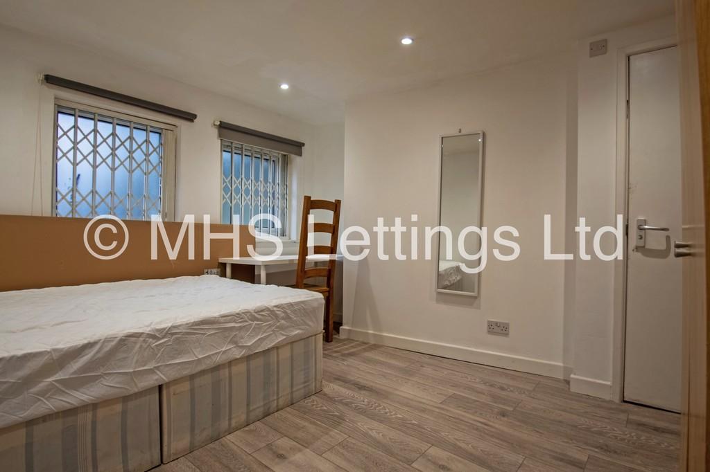 13 Winfield Grove, Leeds, LS2 9BB