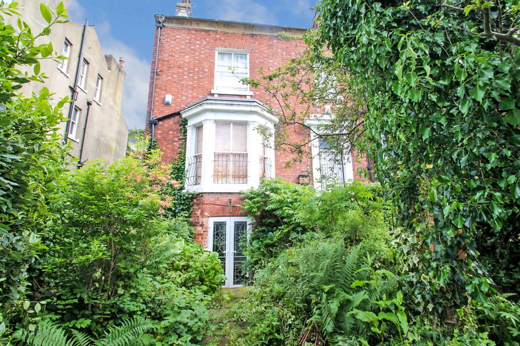 14 Hyde Park Terrace Image 1
