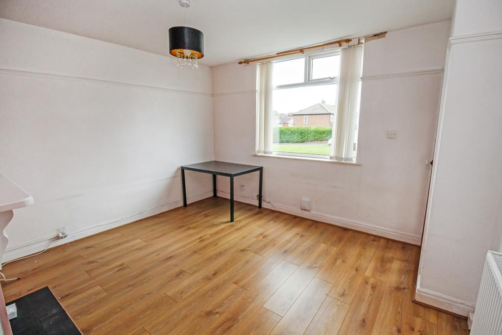 24 Malmesbury Terrace Image 1