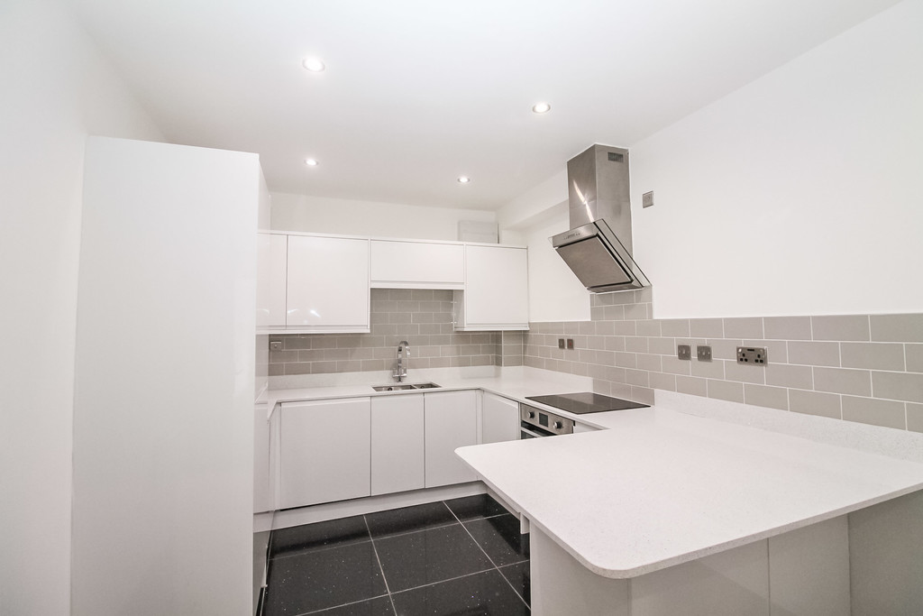 9 Stanningley Place Image 3
