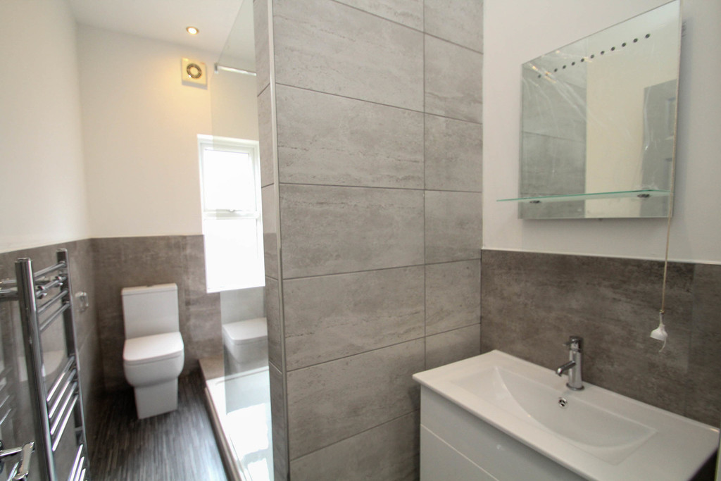 13 Wetherby Grove Image 11