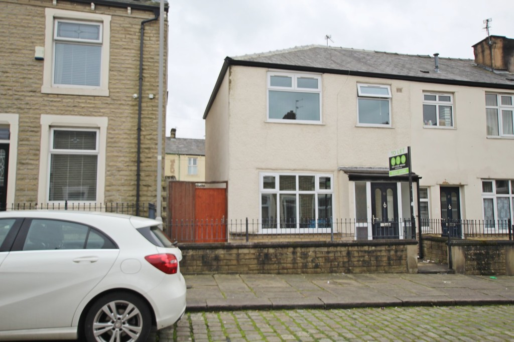 2 bedroom end terraced house Let Agreed in Accrington - photograph 1.