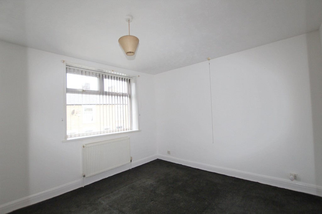 2 bedroom end terraced house Let Agreed in Accrington - photograph 2.
