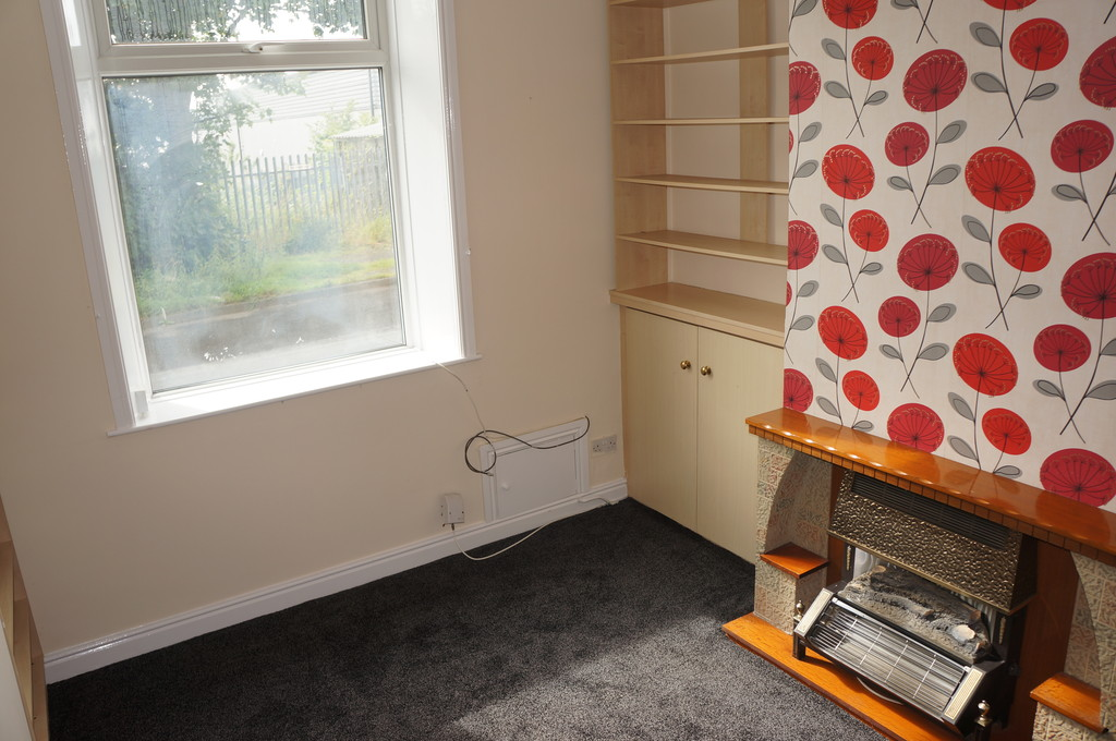 2 bedroom mid terraced house Let Agreed in Blackburn - photograph 2.