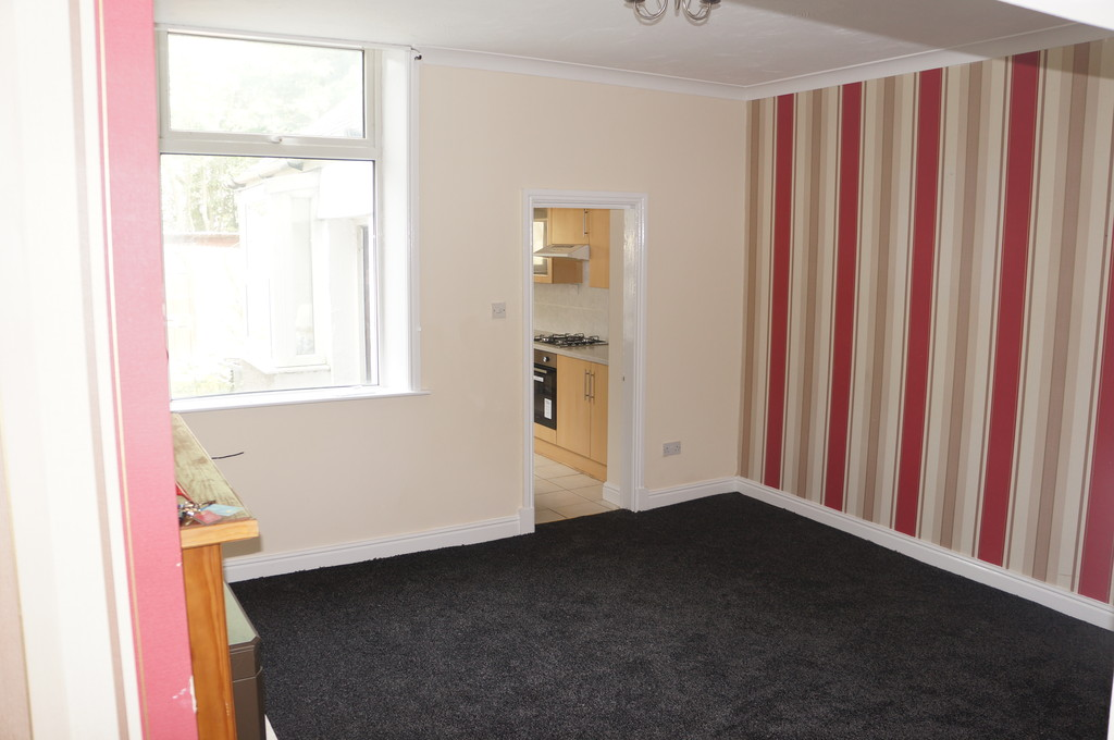 2 bedroom mid terraced house Let Agreed in Blackburn - photograph 8.