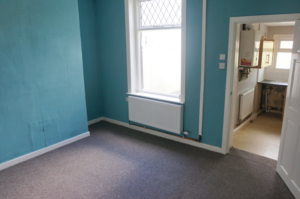 3 bedroom mid terraced house To Let in Blackburn - photograph 11.