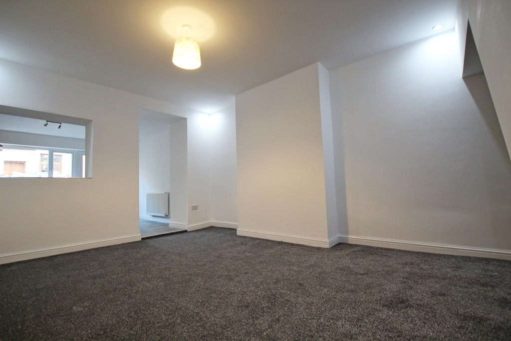 3 bedroom mid terraced house To Let in Burnley - photograph 3.