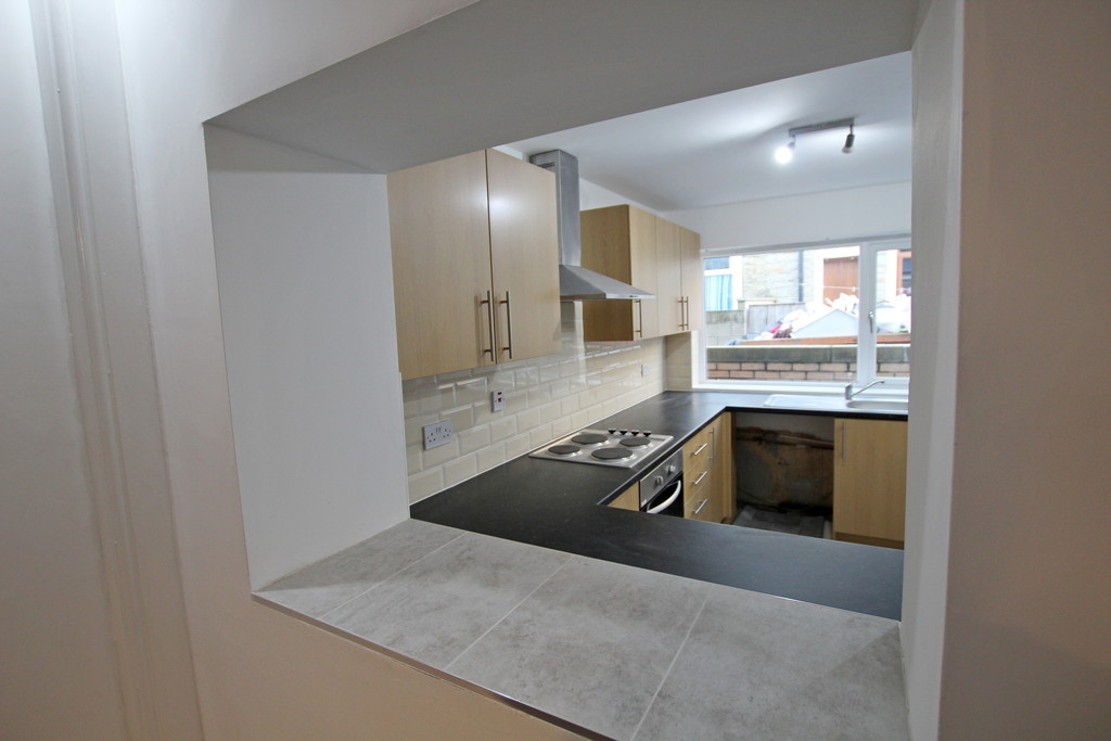 3 bedroom mid terraced house To Let in Burnley - photograph 6.