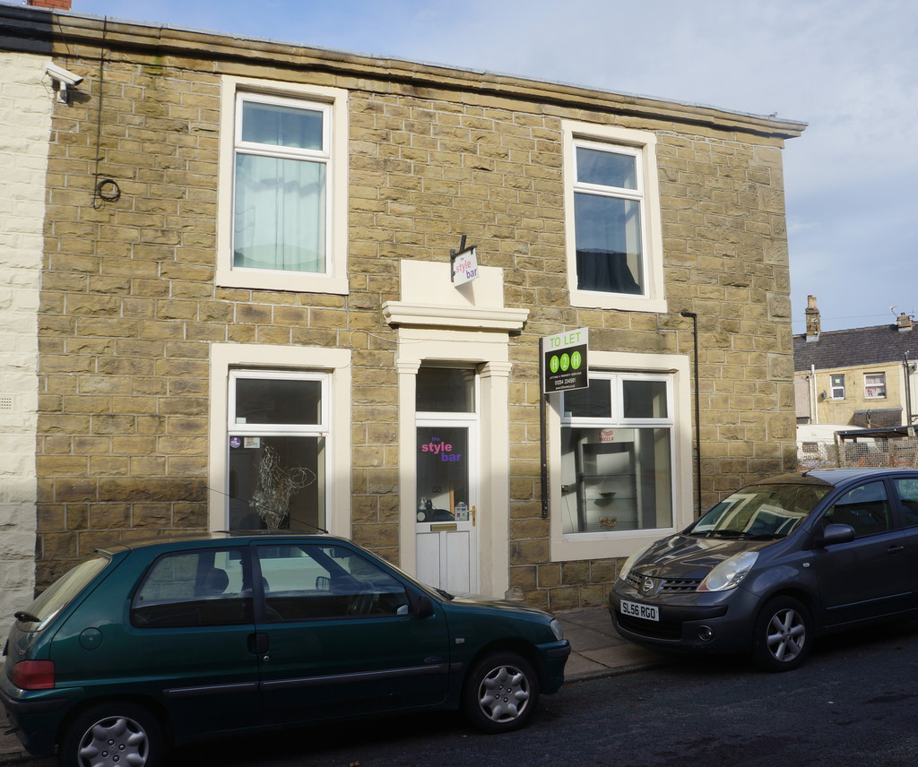 End Terraced House To Let in Accrington - Main Image.