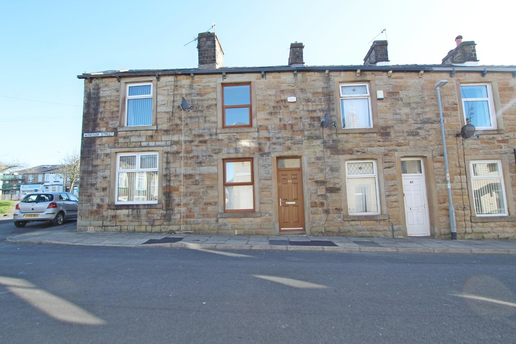 2 bedroom mid terraced house Let Agreed in Burnley - photograph 1.