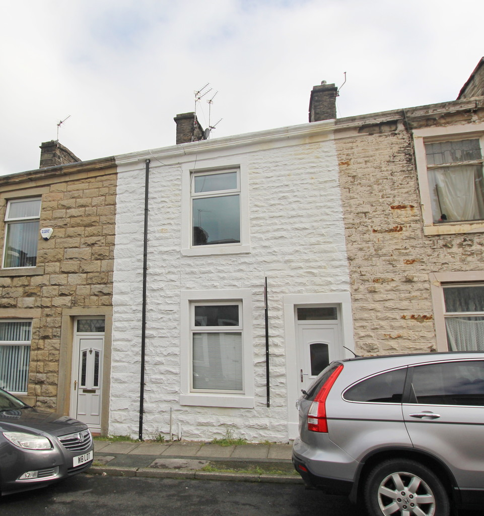 2 bedroom mid terraced house Let Agreed in Blackburn - Main Image.