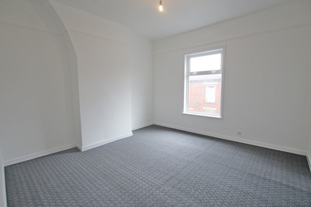 2 bedroom mid terraced house Let Agreed in Blackburn - photograph 7.