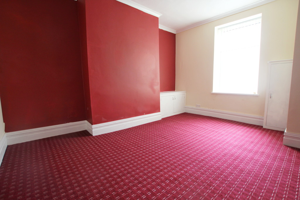 2 bedroom mid terraced house Sold in Accrington - photograph 7.