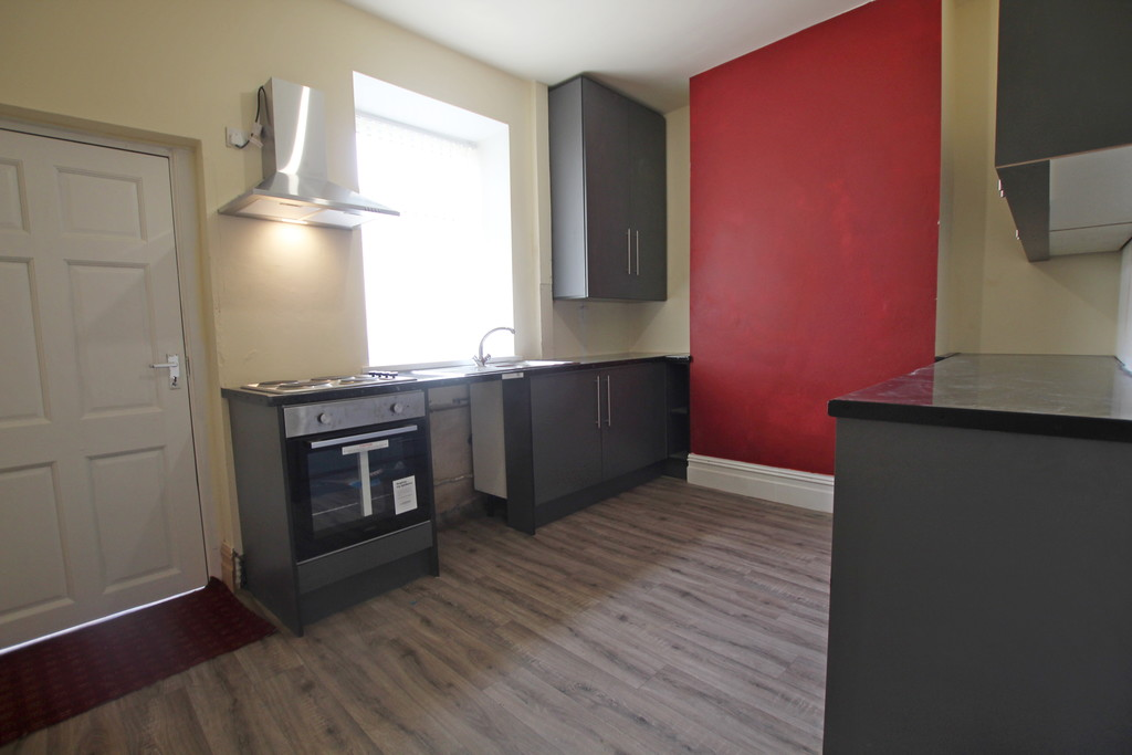 2 bedroom mid terraced house Sold in Accrington - photograph 9.