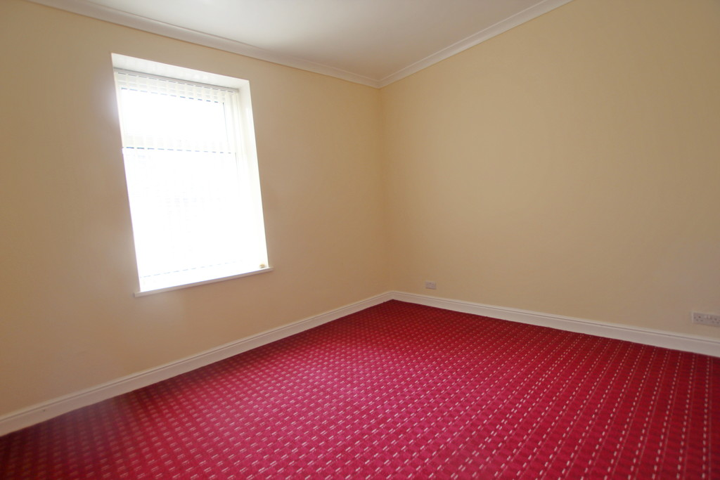 2 bedroom mid terraced house Sold in Accrington - photograph 12.