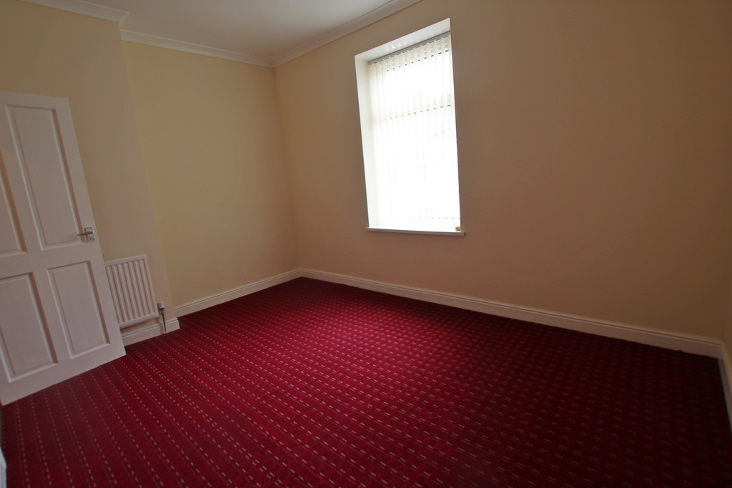 2 bedroom mid terraced house Sold in Accrington - photograph 13.