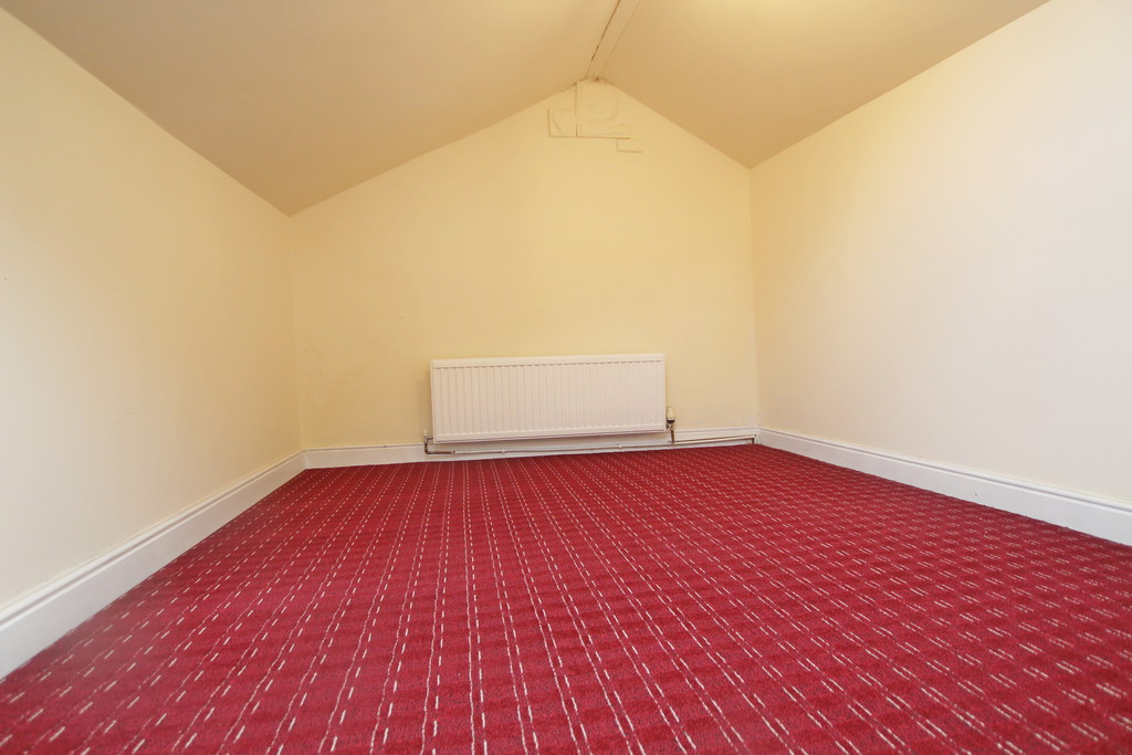 2 bedroom mid terraced house Sold in Accrington - photograph 14.