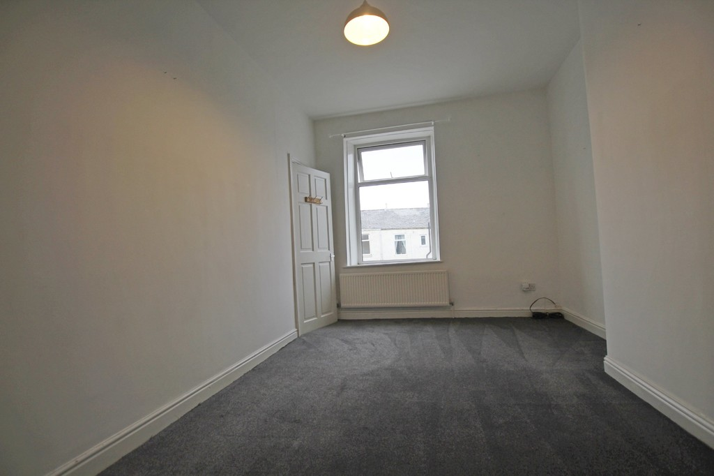 2 bedroom mid terraced house Let Agreed in Blackburn - photograph 14.