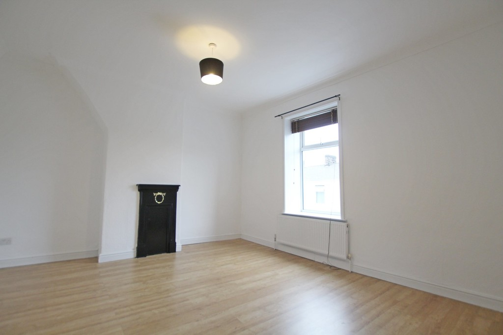 2 bedroom mid terraced house Let Agreed in Blackburn - photograph 11.