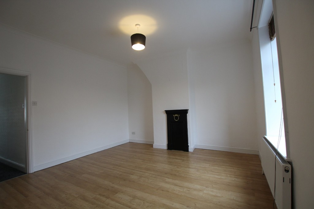 2 bedroom mid terraced house Let Agreed in Blackburn - photograph 15.
