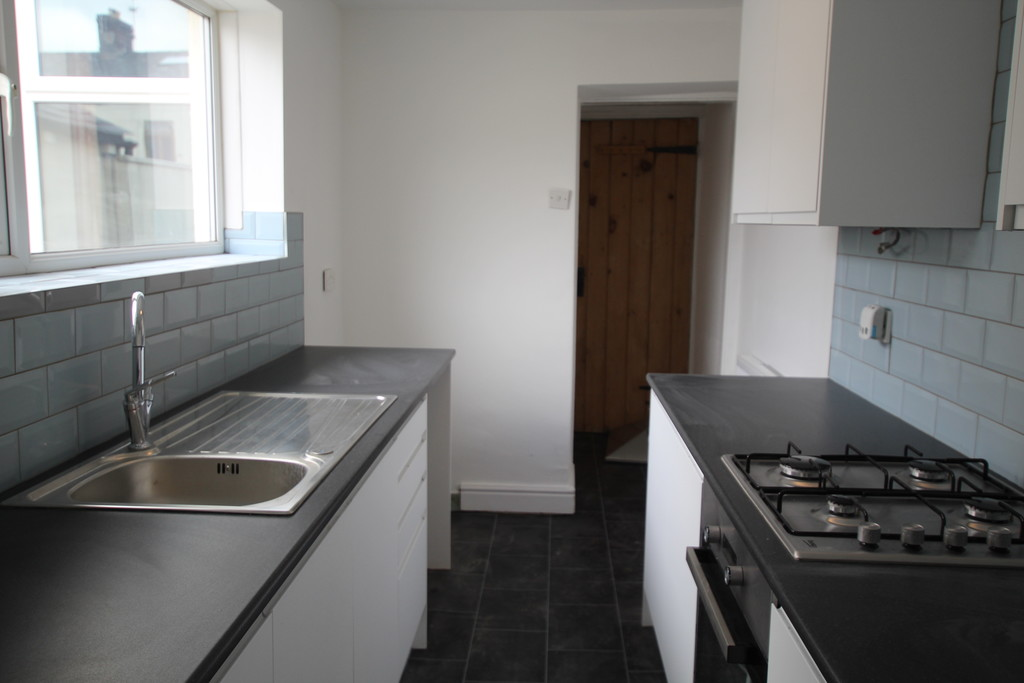 2 bedroom mid terraced house Let Agreed in Blackburn - photograph 12.