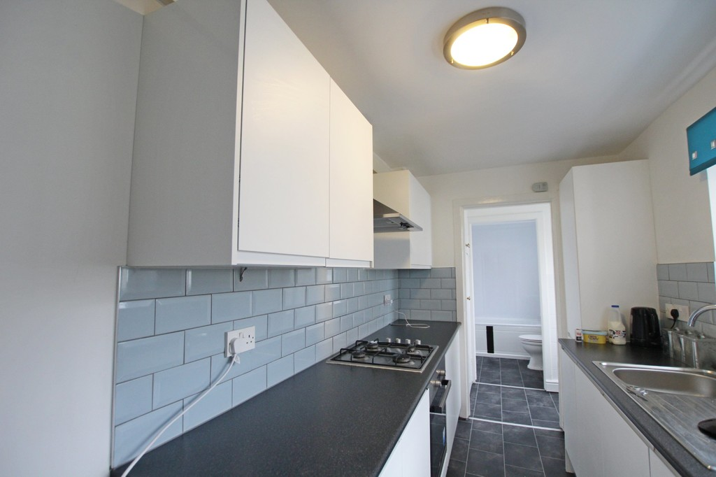 2 bedroom mid terraced house Let Agreed in Blackburn - photograph 5.