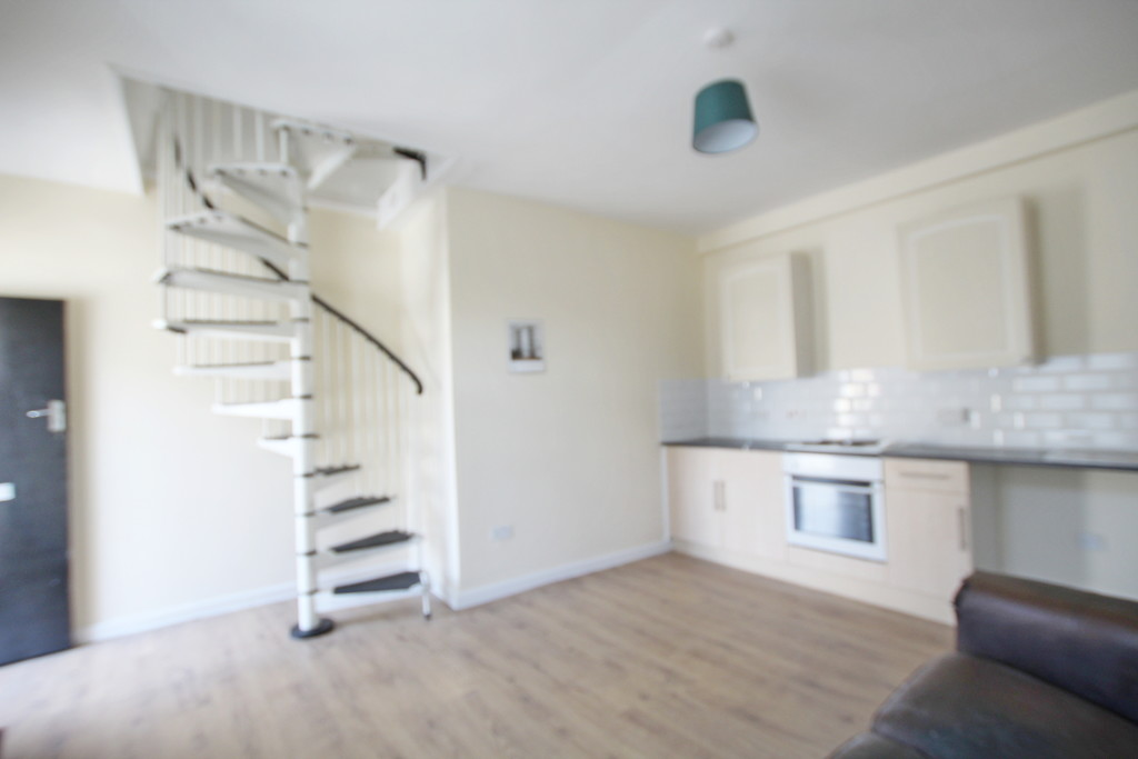 1 bedroom apartment flat To Let in Blackburn - photograph 8.