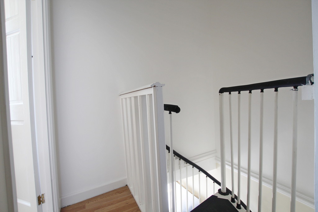 1 bedroom apartment flat To Let in Blackburn - photograph 9.