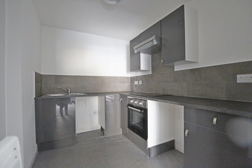 2 bedroom apartment flat Let Agreed in Accrington - photograph 6.
