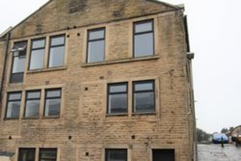1 bedroom apartment flat Let Agreed in Accrington - photograph 1.