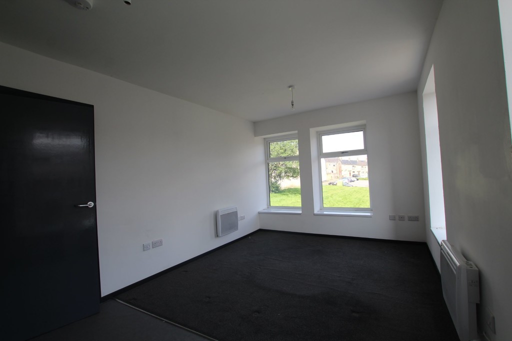 1 bedroom apartment flat Let Agreed in Accrington - photograph 3.