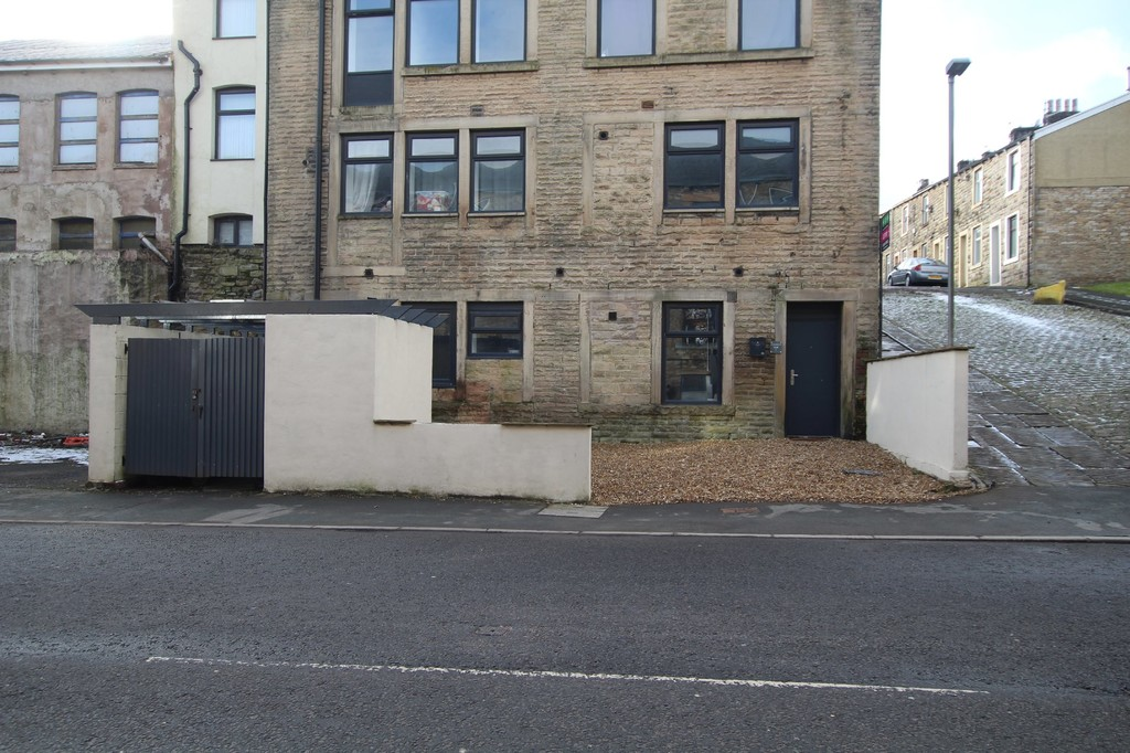 1 bedroom apartment flat Let Agreed in Accrington - Main Image.