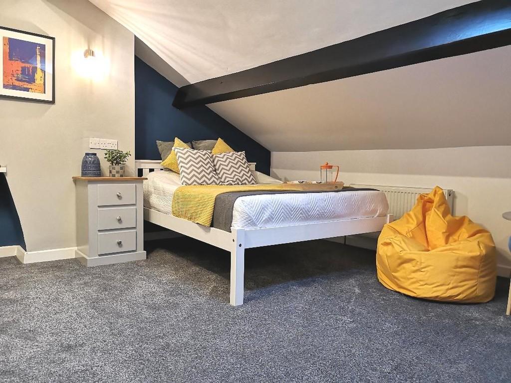 1 bedroom studio flat To Let in Blackburn - photograph 2.