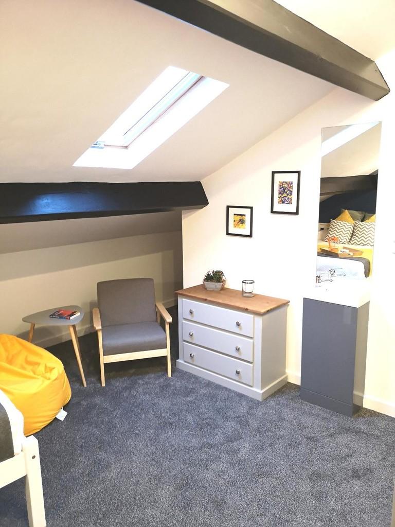 1 bedroom studio flat To Let in Blackburn - Main Image.