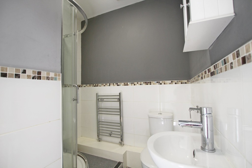 1 bedroom studio flat Let Agreed in Hyndburn - photograph 4.